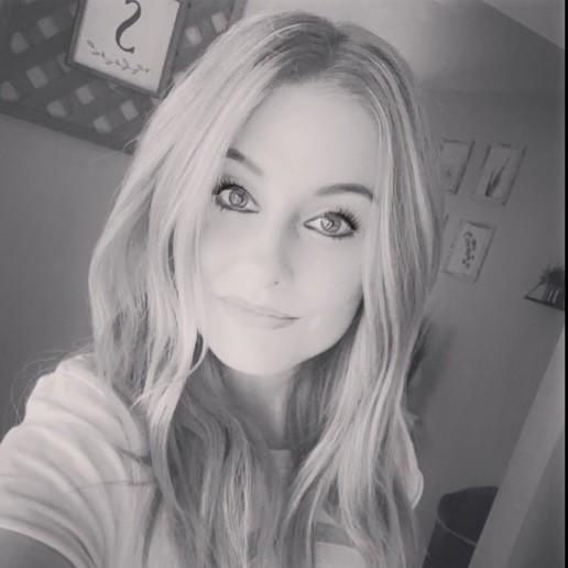 Photo of Erin Sanders, Hairstylist