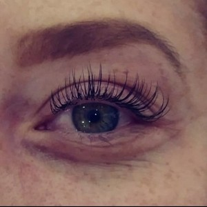 """A Natural """"Mascara"""" Look using Classic (single lashes extension)"""