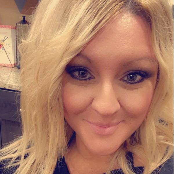 Photo of Lindsay King, Managing Cosmetologist / Salon Owner
