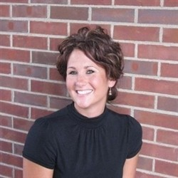 Photo of Marie Issenmann, Managing Cosmetologist