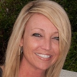 Photo of Amy Hacker, Managing Cosmetologist/Salon Owner